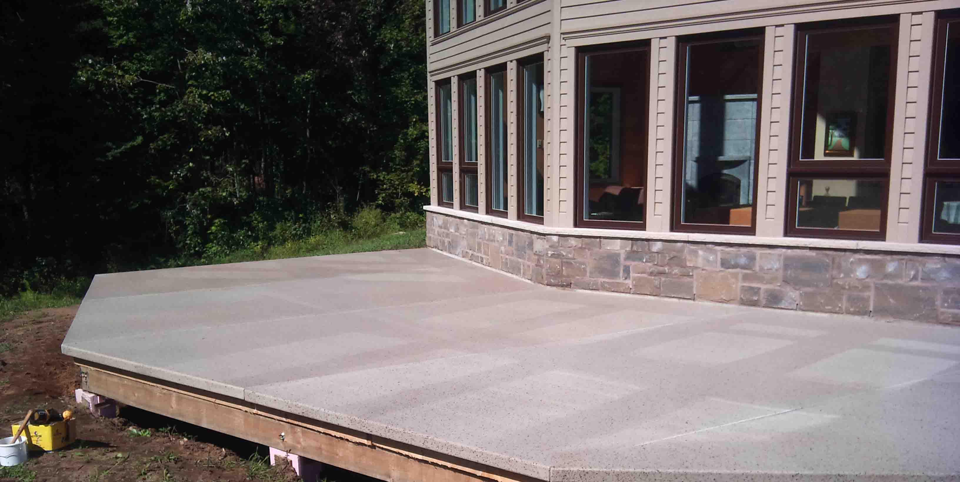 Terrasses en fibre de verre terrasses de piscine lanaudi re for Piscine en fibre de verre